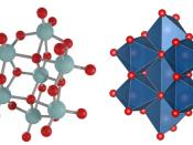 Estrutura molecular do óxido aniónico [Mo7O24]<sup>6-</sup>, cuja dissolução apresenta propriedades oncocidas