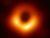 Primeira imagem de um buraco negro, localizado no centro da galáxia Messier 87