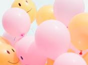 Balões com sorrisos