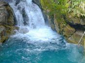Fotografia de um curso de água