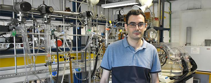 Ricardo Simões no laboratório