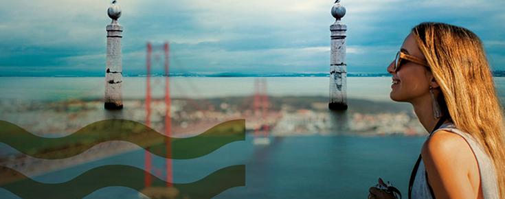 Sobreposição de fotografias da cidade de Lisboa (Ponte 25 de Abril, Cais das Colunas) com a fotografia de uma aluna